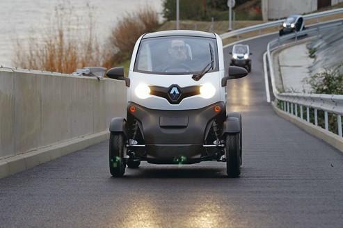 Renault reste prudent sur les voitures électriques
