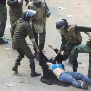 Egypte : le pouvoir militaire de plus en plus critiqué