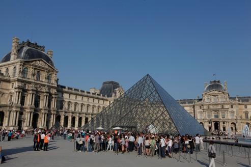 Les nombreuses visites au musée du Louvre sont le témoignage de l'attractivité de la France.