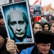 Le Kremlin sur la défensive face à la rue