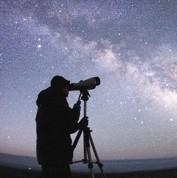 Petits télescopes dans la chasse aux astéroïdes