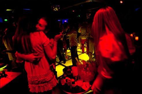 Alcool: les boîtes de nuit sous surveillance