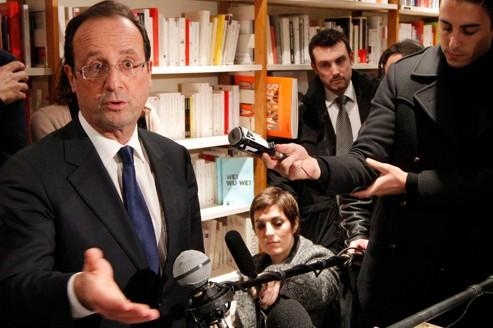 Hollande veut faire oublier sa drôle de campagne