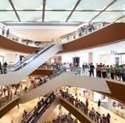 Le luxe pour rajeunir les centres commerciaux
