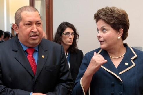 Hugo Chavez et Dilma Rousseff, lors d'un sommet à Montevideo, en Uruguay, le 20 décembre.