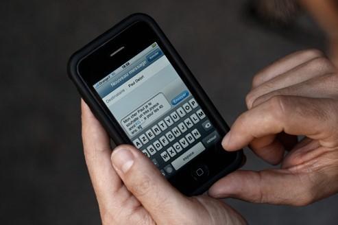 Le SMS reste le roi incontesté de la Saint-Sylvestre