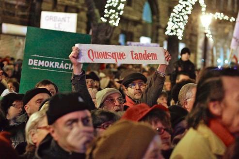 L'opposition hongroise cherche à s'unir contre Orban