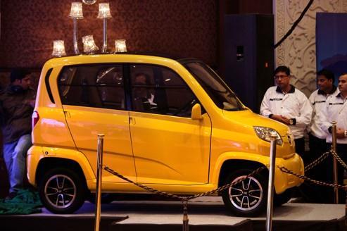 Low cost : l'indien Bajaj attend le choix de Renault
