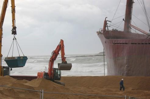 Le chantier doit être achevé le 6 avril mais il ne devrait durer que 3 à 4 semaines si les conditions météo le permettent. Photo Armel Tripon.