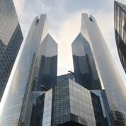 Baisses d'effectifs dans les banques françaises