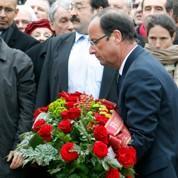 Hollande rend hommage à Mitterrand à Jarnac