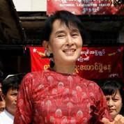 Aung San Suu Kyi courtisée par le régime