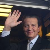 À Lyon, Perben renonce aux législatives