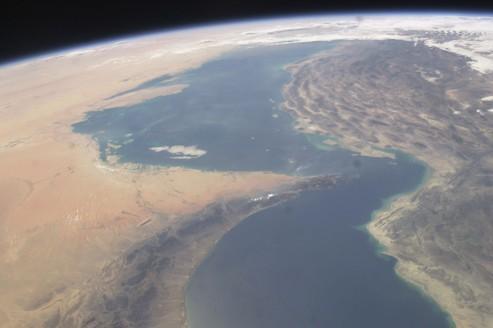 Photo du détroit d'Ormuz, prise par la NASA de la Station spatiale internationale en septembre 2003.
