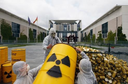 L'«incinérateur» de déchets nucléaires fait ses débuts