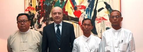 Alain Juppé à la rencontre de la «pérestroïka birmane»