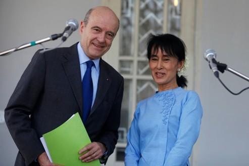 Aung San Suu Kyi parie sur les réformes