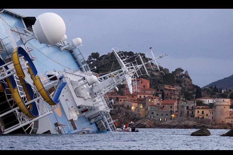 Costa Concordia célèbre le centenaire du naufrage du Titanic 20120116PHOWWW00288