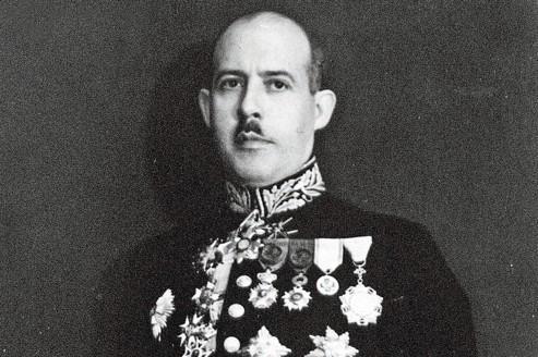 Robert de Foy, haut fonctionnaire belge, actif pendant l'occupation allemande en 1943, a reçu le titre de «Juste» en 1975, après sa mort.
