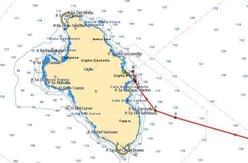 Le Concordia est arrivé paar le sud de l'île qu'il a longée au ras des cailloux. (Capture écran du logiciel de cartographie Maxsea).