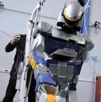 Le robot humanoïde HRP2 est un des principaux outils de travail de Jean-Paul Laumond à Toulouse.