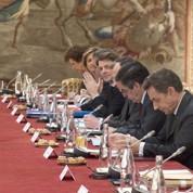 Face à la crise, Sarkozy exhorte les syndicats