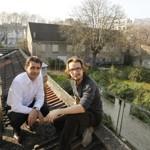 Lorànt Deutsch et le chef cuisinier Yannick Allèno, perchés au-dessus du toit de la Ferme Montsouris en mars dernier.