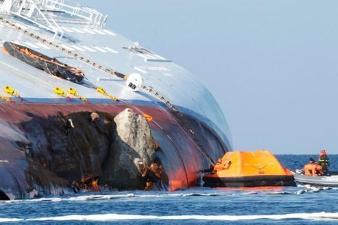 Un seizième corps retrouvé dans l'épave du Concordia