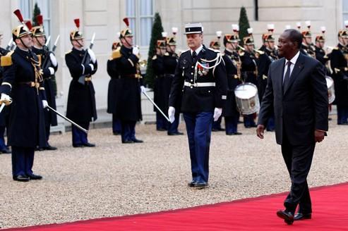 Alassane Ouattara reçu en ami à l'Élysée