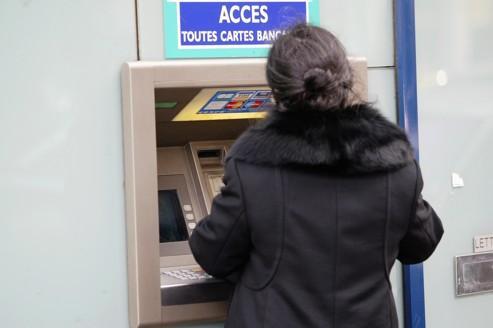 Les tarifs bancaires vont légèrement fléchir en 2012