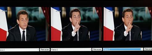 Hollande creuse l'écart avec Sarkozy dans un sondage