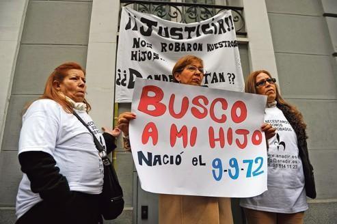 Espagne: les enfants volés réclament justice