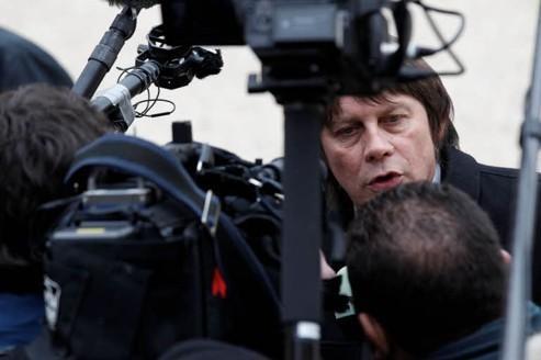 Neutralité politique: Mailly et Chérèque critiquent Thibault