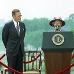 Le jour où la reine est devenue «The talking hat».