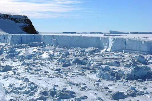 Le lac Vostok, caché sous 4 km de glace, va livrer ses secrets