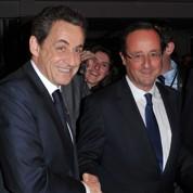 Sarkozy et Hollande, la poignée de main