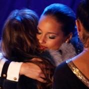 Whitney Houston est saluée par les stars