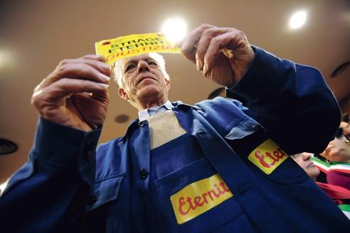 Un ancien travailleur d'Eternit réclame justice, lundi, au tribunal de Turin.