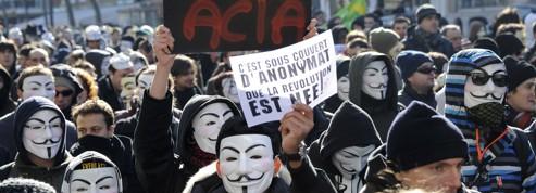 Droits sur Internet : pourquoi le traité Acta fait polémique