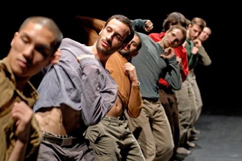 Hofesh Shechter au théâtre des Abesses