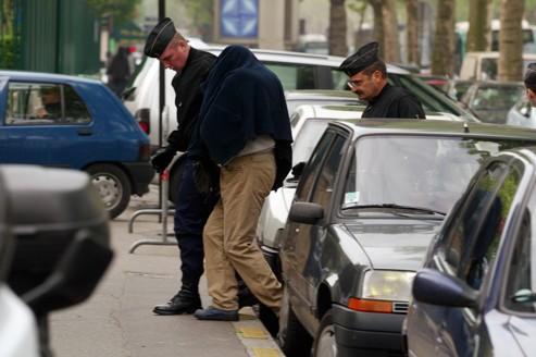 L'arrestation à Paris en 2004 d'un suspect appartenant à un gang de cambrioleurs roumains.