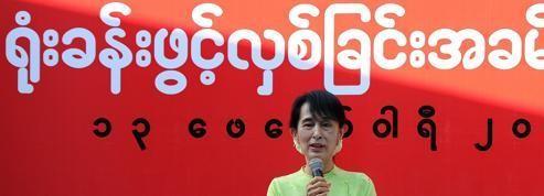 Aung San Suu Kyi en campagne électorale