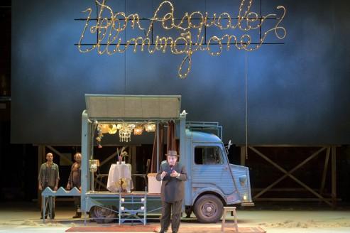 Un spectacle mis en scène par Denis Podalydès, avec dans le rôle titre Alessandro Corbelli.