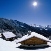 Immobilier: les prix résistent à la montagne