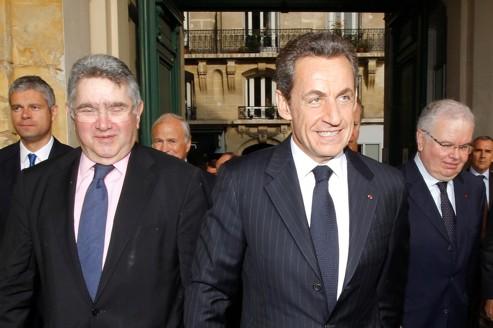 Claude Allègre, à gauche, au côté de Nicolas Sarkozy en septembre dernier.