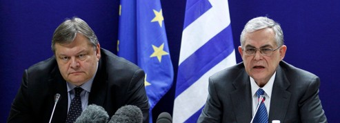 Grèce: sauvetage historique mais douloureux