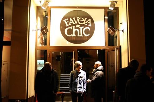 La Favela Chic change de peau