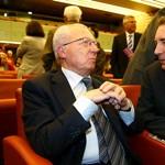 François Bayrou avec Jacques Delors à l'Assemblée nationale en 1994.