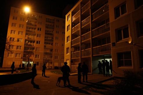Les bandes s'organisent autour d 'un noyau de caïds qui cherchent à contrôler les quartiers.