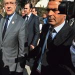 Le ministre des Affaires étrangères Alain Juppé participe à la conférence de Tunis.